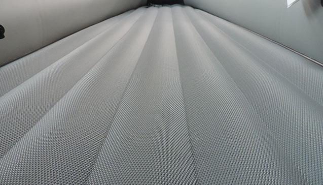 Виды ковриков в лодку ПХВ и производители.jpg