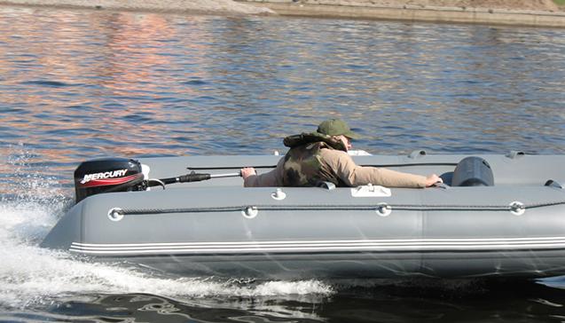 Надувные лодки Флагман 450.jpg