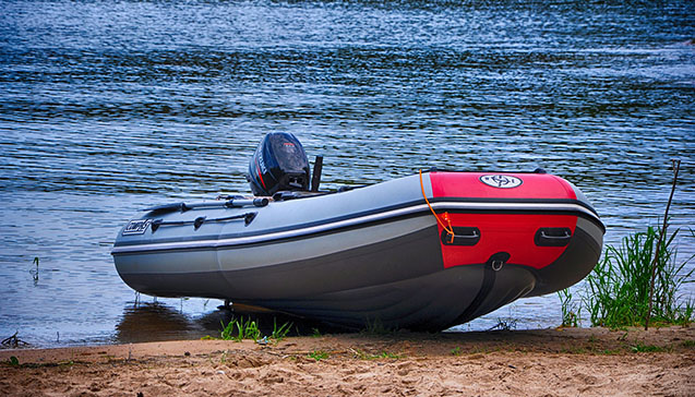 Лодка ПВХ 380 сантиметров.jpg