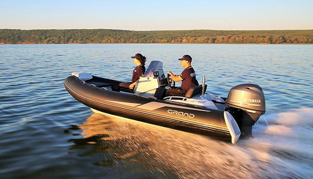 Резиновые лодки с жёстким дном.jpg