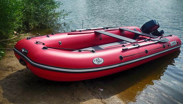 Лодка ПВХ 450 сантиметров.jpg