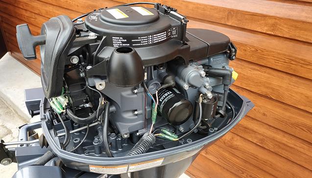 Лодочный мотор Yamaha 15 л. с. -teh.jpg