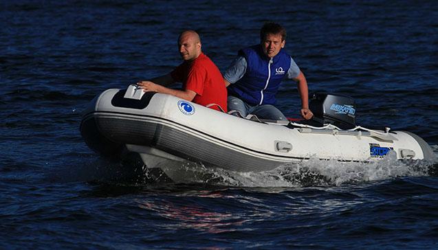 Лодка пвх 400 сантиметров.jpg