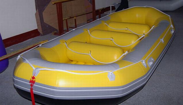 Виды трехместных резиновых лодок.jpg