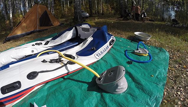 Как надуть резиновую лодку ножным насосом.jpg