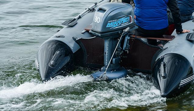 Надувная лодка с водометом.jpg