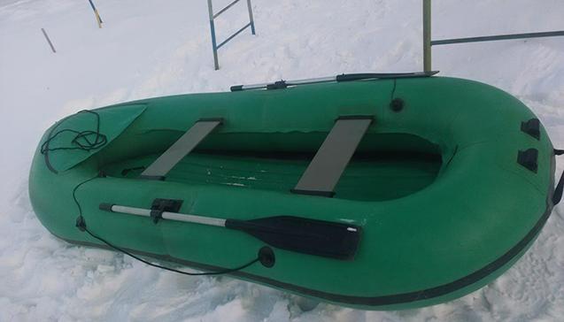 Резиновая лодка Вега.jpg