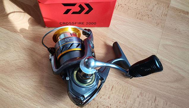 Катушка для спиннинга Daiwa Crossfire 2000.jpg