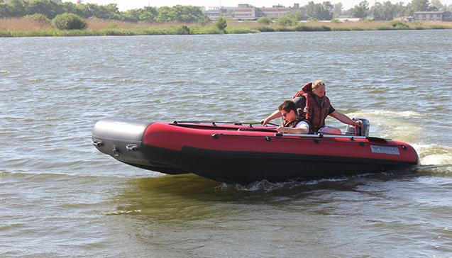 Лодка ПВХ 460 сантиметров.jpg