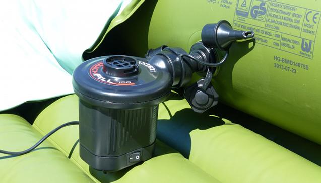 Аккумуляторный насос для лодки ПВХ.jpg