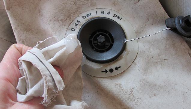 Замена клапана на лодке ПВХ..jpg