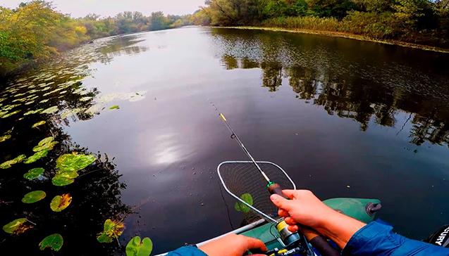 Выбор места для ловли на спиннинг поздней осенью.jpg