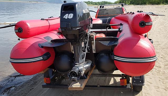 Установка мотора на лодку ПВХ.jpg