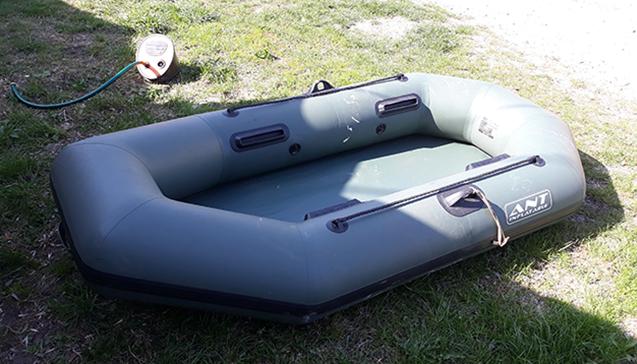 Как выбрать надувную двухместную лодку.jpg