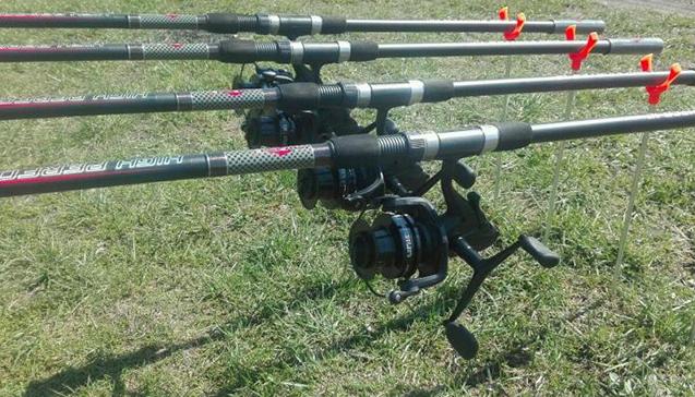 Рыбалка с удочками Mifine.jpg